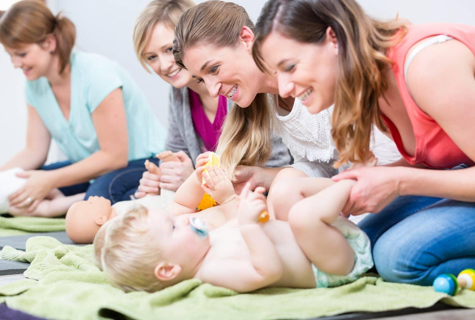 Postnatal-yoga-moms-and-babies-opt